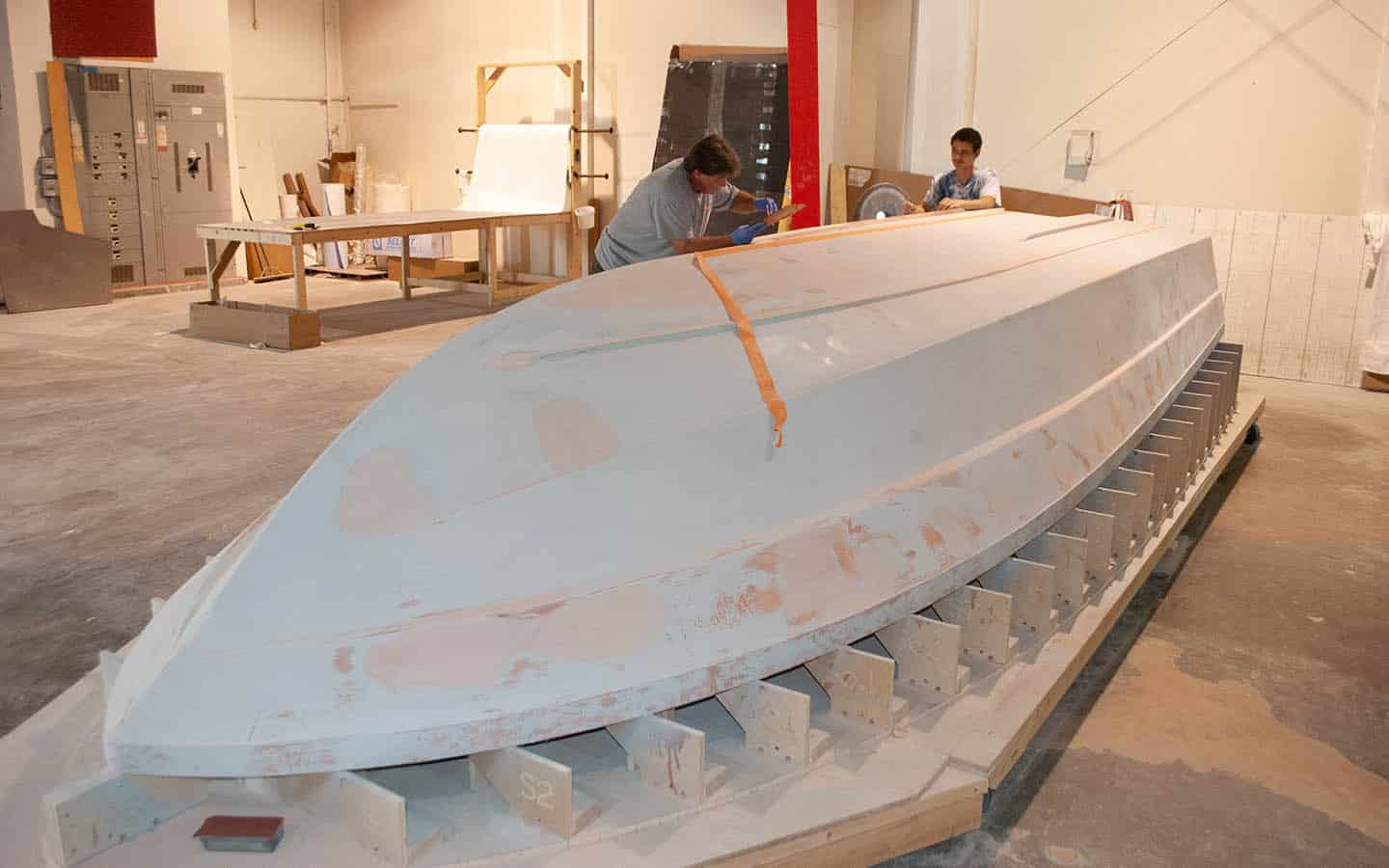 PRODUCTION-PROCESS-BOATWORKS-PIRANHA
